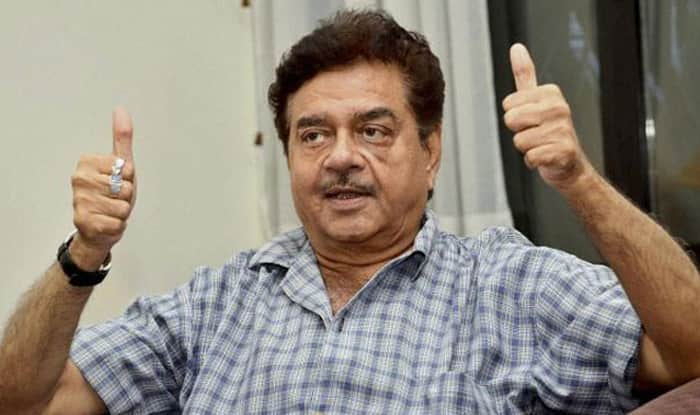 Illegal extensions in Shatrughan Sinha's residence destroyed by the BMC