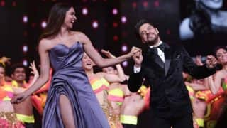 Lux Golden Rose Awards Flashback: Shah Rukh Khan Romanced Deepika Padukone, Pregnant Kareena Kapoor Khan WalkedThe Red Carpet And More Iconic Moments