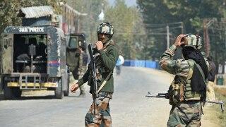 कश्मीर- सेना पहली बार आतंकियों के गढ़ तोरा-बोरा में घुसी