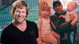 MS Dhoni Gets Some Cricketing Advice From Jonty Rhodes's Kids, Adorable Picture is Winning Hearts on Internet