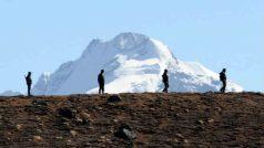 डोकलाम के जरिए भारत और भूटान को बांटना चाहता था चीनः पूर्व एनएसए शिवशंकर मेनन