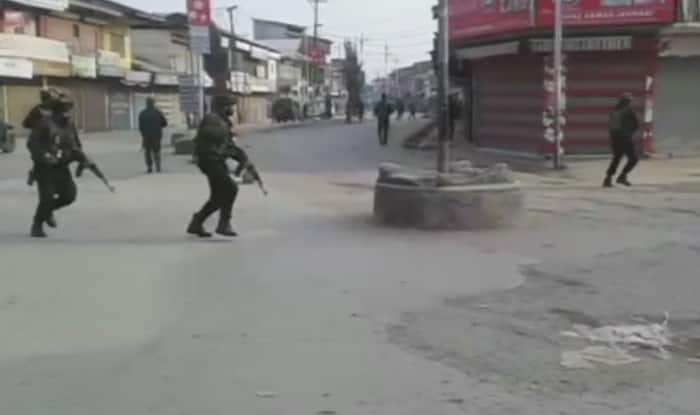 Four policemen killed in Kashmir bombing