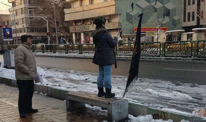 Iranian women protest hijab as defiant headscarf demonstrations spread