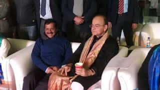 Arvind Kejriwal Hosts Arun Jaitley For Dinner After GST Meet; 'Badle-Badle se Sirkar Nazar Aatein Hain', Ajay Maken Takes a Poetic Dig