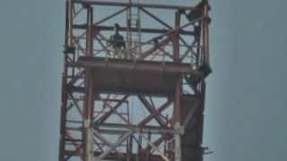 Padmaavat Row: Protester Climbs 350-Feet Mobile Tower With Bottle of Petrol, Demands Countrywide Ban on Bhansali's Film