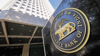 वित्त मंत्रालय को उम्मीद RBI की निगरानी सूची से बाहर हो सकते हैं कुछ सरकारी बैंक