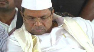 Karnataka CM Siddaramaiah Caught Sleeping on Stage at Event, Twitterati Troll Congress Leader