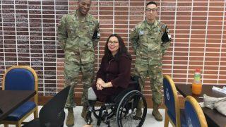 पहली अमेरिकी सीनेटर जो कार्यकाल में बनेंगी मां, इराक युद्ध में खो चुकी हैं दोनों पैर