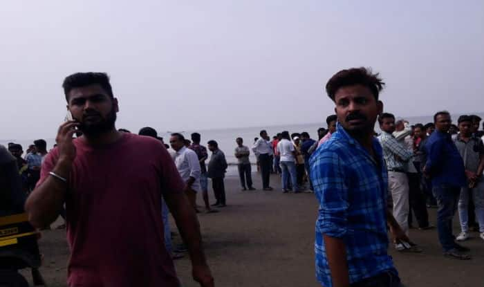 4 children die as boat collapses off the Mumbai coast