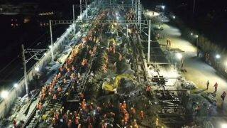 1500 Chinese Workers Build Railway For New Train Station In Nine Hours