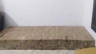 Rs 100 Crore Demonetised Notes Seized in Kanpur; Businessmen, Middlemen From Hyderabad, Kolkata, Varanasi Arrested