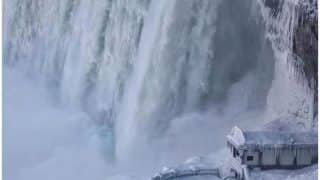 अमेरिका, कनाडा और चीन में बर्फबारी ने तोड़ा रिकॉर्ड, ठंड से जम गया नियाग्रा फॉल