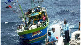 श्रीलंका की नौसेना ने 16 भारतीय मछुआरों को किया गिरफ्तार