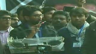 Jignesh Mevani Urges Radhika Vemula, Mother of Rohith Vemula, to Contest Lok Sabha Elections 2019 to 'Teach Lesson to Manusmriti Irani'