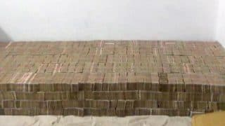 'Bed of Cash' of Almost Rs 100 Crore in Demonetised Notes Found in a Raid at a House in Kanpur, Uttar Pradesh