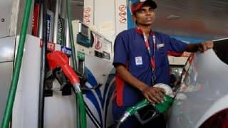 Fuel Prices Drop Yet Again; Petrol at Rs 76.71 Per Litre in Delhi, Rs 82.23 Per Litre in Mumbai