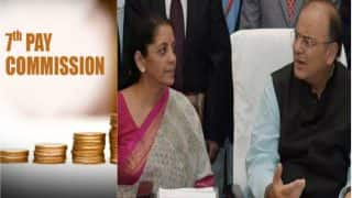 7th Pay Commission: Defence Minister Nirmala Sitharaman Requests Finance Minister Arun Jaitley to Remove Education Fee Cap For Martyrs' Children
