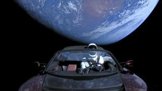 पृथ्वी या शुक्र ग्रह से टकरा सकती है अंतरिक्ष में भेजी गई एलन मस्क की कार