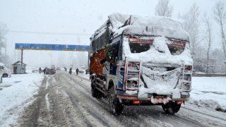 जम्मू-श्रीनगर राजमार्ग लगातार चौथे दिन भी बंद