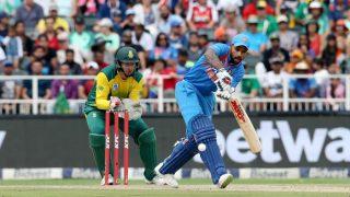 VIDEO: दर्शकों ने धवन को आउट होने से बचाया, टीम इंडिया का भाग्य ने दिया साथ