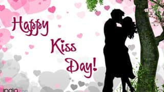 Happy Kiss Day 2018: Best Wishes, SMS, WhatsApp Forwards, Facebook Status, GIF to Send to Your Valentine