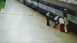 Mumbai: Woman Trips While Boarding Train at Central Railway Station, Rescued by RPF, Others - Watch