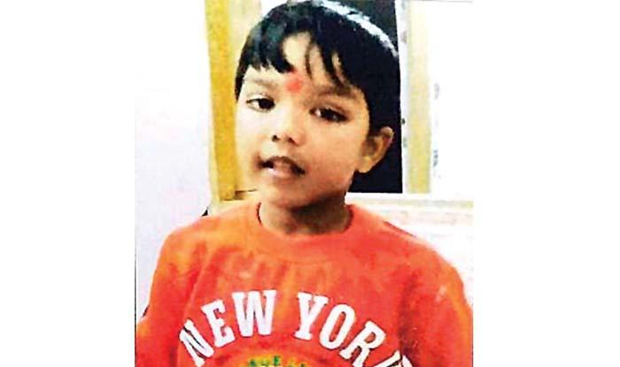 मारे गए बच्चे की फाइल फोटो.