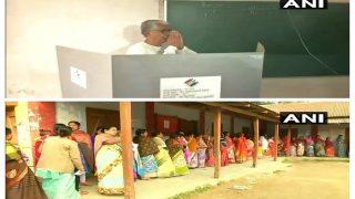 त्रिपुरा LIVE: विधानसभा चुनाव में मतदान जारी, सीएम माणिक सरकार ने डाला वोट