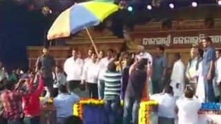 Woman Throws Eggs at Odisha CM Naveen Patnaik During an Event in Balasore: Watch Video
