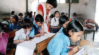 गांधी, नेहरू से ज्यादा नरेंद्र मोदी के बारे में पढ़ेंगे महाराष्ट्र के स्कूली छात्र