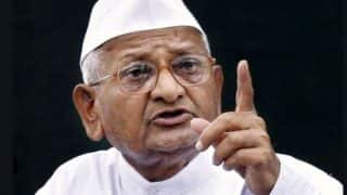Anna Hazare Asks Supporters to File Defamation Lawsuit Against NCP Nawab Malik For Accusing Him of Taking Money to Sit For Hunger Strike