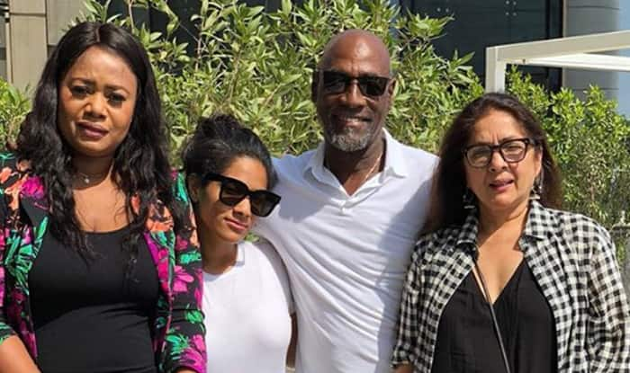 Masaba, Neena surprise Viv Richards on his 66th birthday