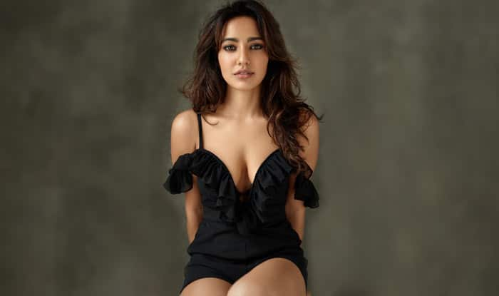 Neha Sharma Posted Sizzling Images Of Her,Social Media Asks Her If She Has No Films 3