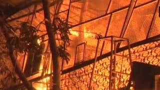 Mumbai: Fire Breaks Out in Two Garment Godowns in Gulab Shah Market in Kurla, No Casualty