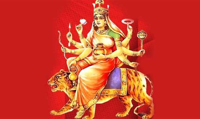 नवरात्रि के चौथे दिन मां कुष्मांडा देवी की पूजा और अर्चना की जाती है.