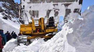 Border Road Organisation Starts Clearing Snow From Manali-Leh Highway