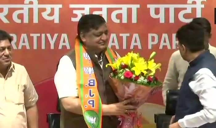 SP leader Naresh Agarwal joins BJP