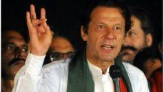 पाकिस्तान की रैलियों में अपने नेता को जूतों से बचाने के लिए इमरान खान के समर्थकों ने बनाई 'बैट फोर्स'