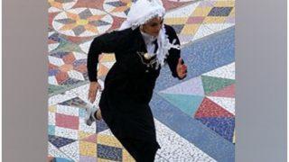 सऊदी की सड़कों पर अद्भुत नजारा, महिला दिवस पर बुर्का पहनकर दौड़ी महिलाएं