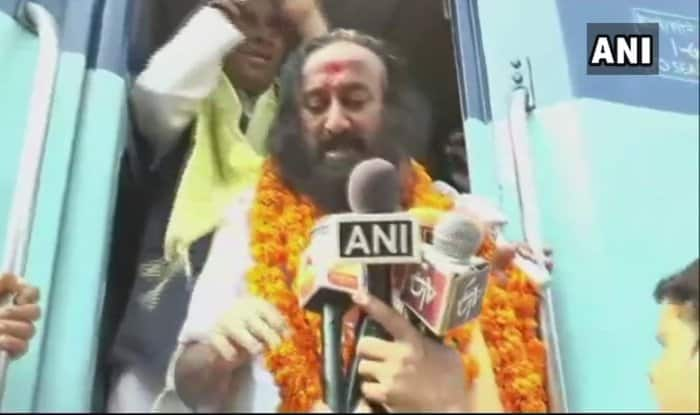 Political parties leaders criticise Sri Sri Ravi Shankar over Syria remark