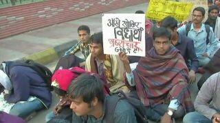 SSC Exam Scam: Students Continue Protest Against Alleged Paper Leak Even as Government Orders CBI Probe