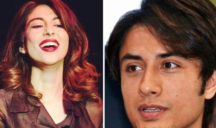 Pakistani Singer Momina Mustehsan Tells Ali Zafar To 'Apologise Unconditionally' If Guilty