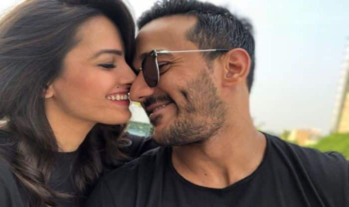 Anita Hassanandani Gives A Peck On Hubby Rohit's Cheeks And Fans Can't Keep Calm