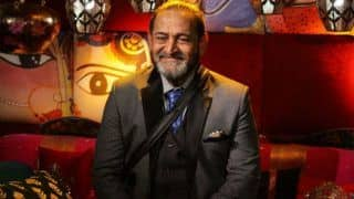 Bigg Boss Marathi 2018: Twitter Reactions on The Unveiling of Contestants Like Resham Tipnis, Smita Gondkar, Vinit Bhonde and More With Mahesh Manjrekar As Host