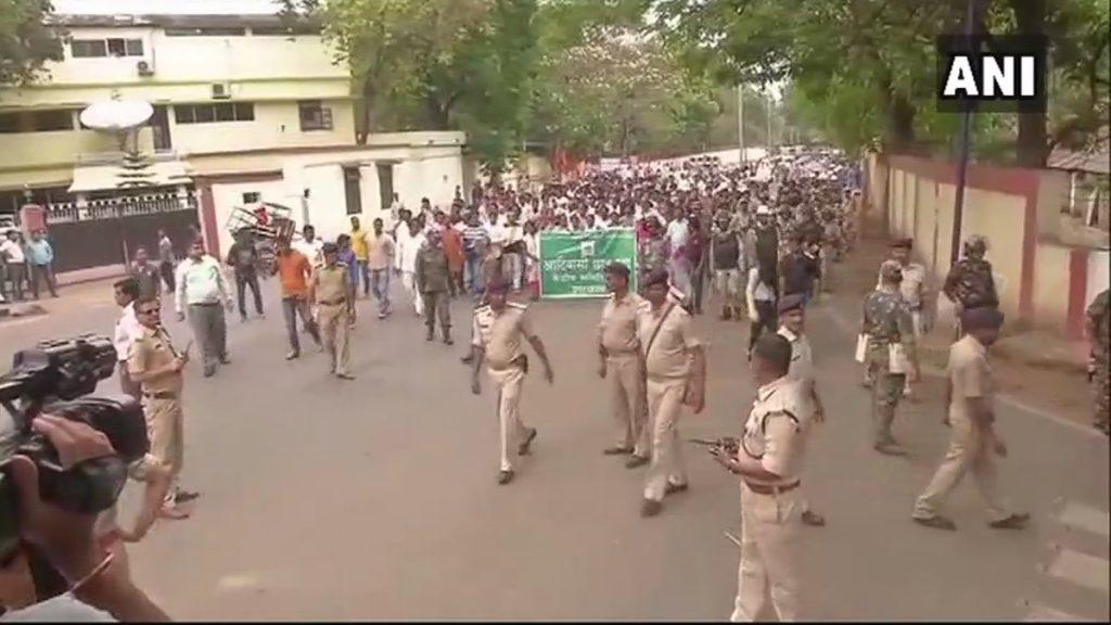भारत बंद के दौरान हुए पुलिस लाठीचार्ज के खिलाफ आदिवासी समाज ने खोला मोर्चा