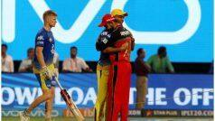 IPL: मैच से पहले गले मिले धोनी-कोहली, फैंस की आंखों को सुकून दे गया दोस्ती का ये नजारा