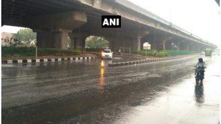 दिल्ली-NCR में हल्की फुहारों से मौसम हुआ सुहाना, चिलचिलाती गर्मी से मिली राहत