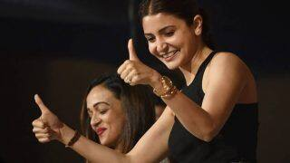 IPL 2018 MI vs RCB: Anushka Sharma Cheers for Virat Kohli and RCB Team From her Vanity Van