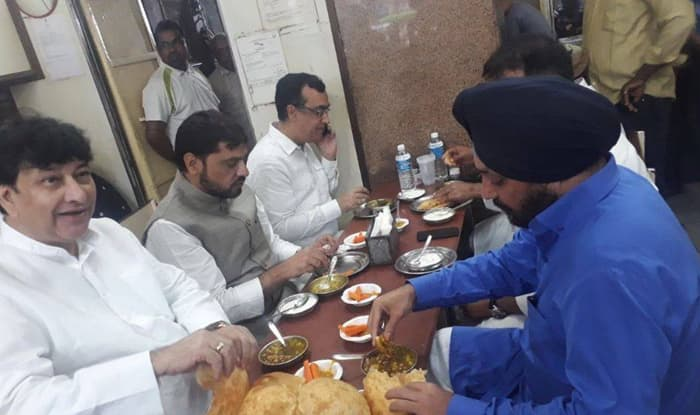 Delhi BJP leader claims Congress leaders were earlier today seen eating at restaurant