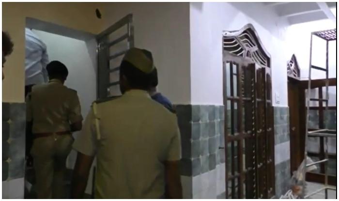बीजेपी विधायक के घर लूटपाट के बाद पहुंची पुलिस.